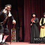 امین ساکی بازیگری مرد بیست و چهارمین جشنواره ملی تئاتر لاله های سرخ را از آن خود کرد