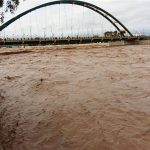 جاده ترانزیتی خرمآباد – پلدختر مسدود شد/ احتمال ریزش دیواره ساحلی رودخانه پلدختر وجود دارد