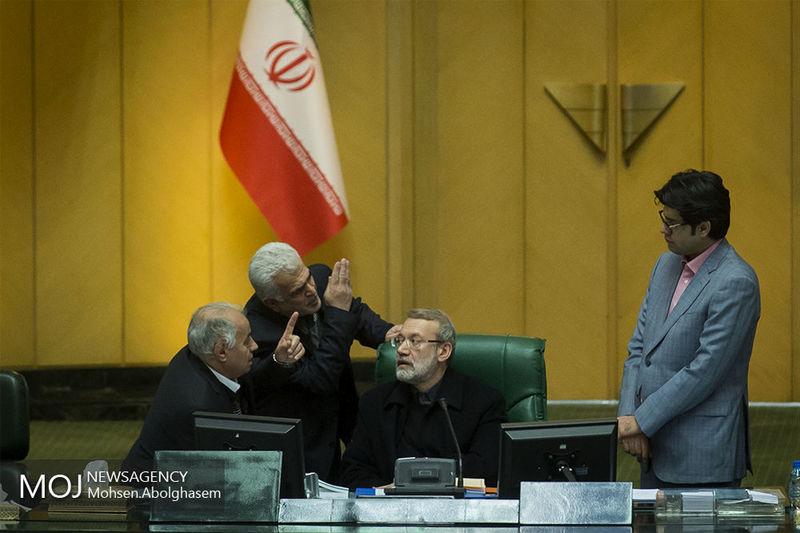 ابتلای علی لاریجانی به کرونا/ رئیس مجلس تحت درمان است