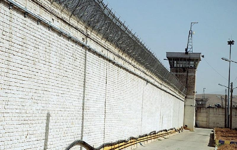 ۲۳ زندانی از زندان پارسیلون خرم آباد گریختهاند