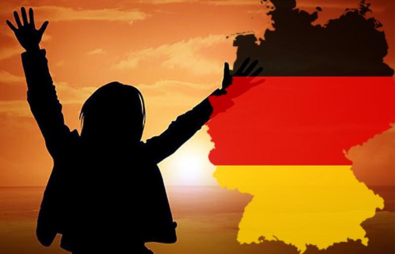فرار کارمند میراث فرهنگی لرستان به آلمان/ برخی کارکنان ضامن «م.ح» هستند